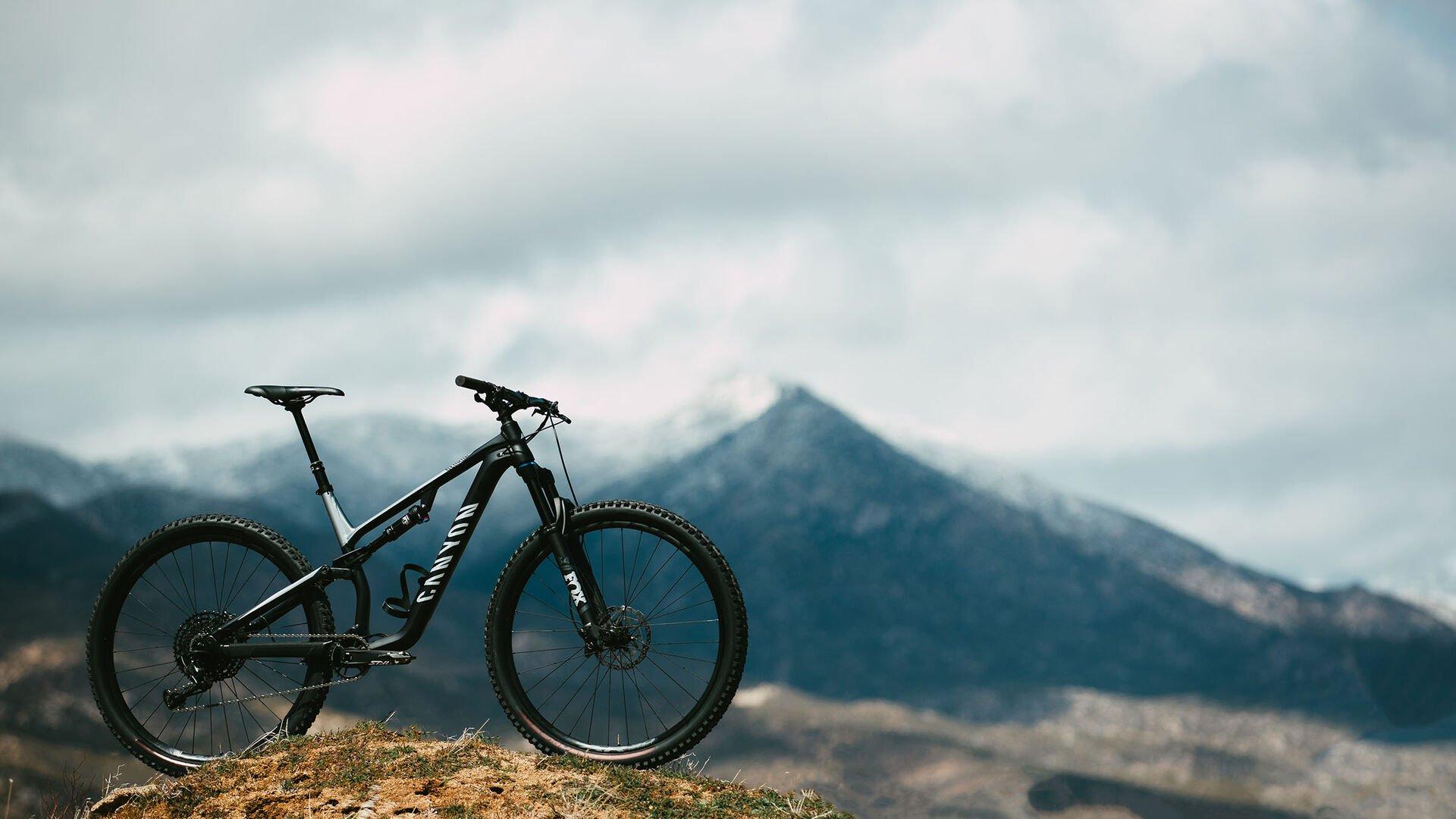Bici Canyon en la montaña